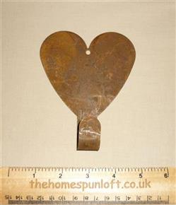 12.5cm Rusty Tin Primitive Heart Hook Hanger
