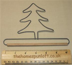 "6"" Tree wire quilt hanger with wooden dowel"