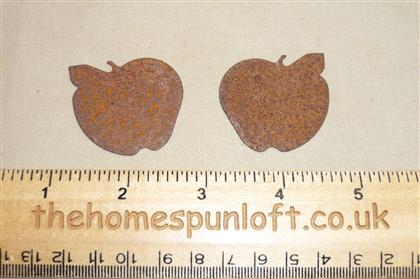3.75cm Rusty Tin Primitive Apple Shape