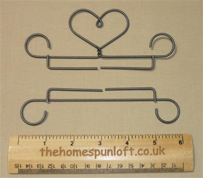 "4"" Heart Wire Quilt Hanger Bell Pull Mini Quilt"