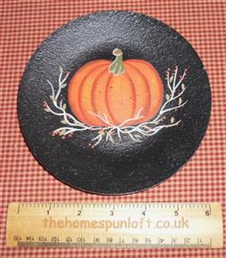 "6"" Primitive Wooden Pumpkin Plate"