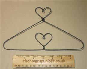 "9"" Heart top and centre quilt hanger"