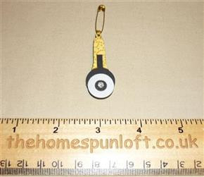 Quilter's Sewing Rotary Cutter Wooden Brooch